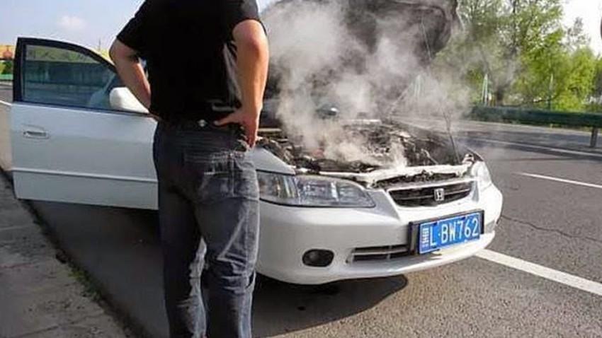 بسبب ارتفاع درجات الحرارة... تعطل 100 مركبة في عمان
