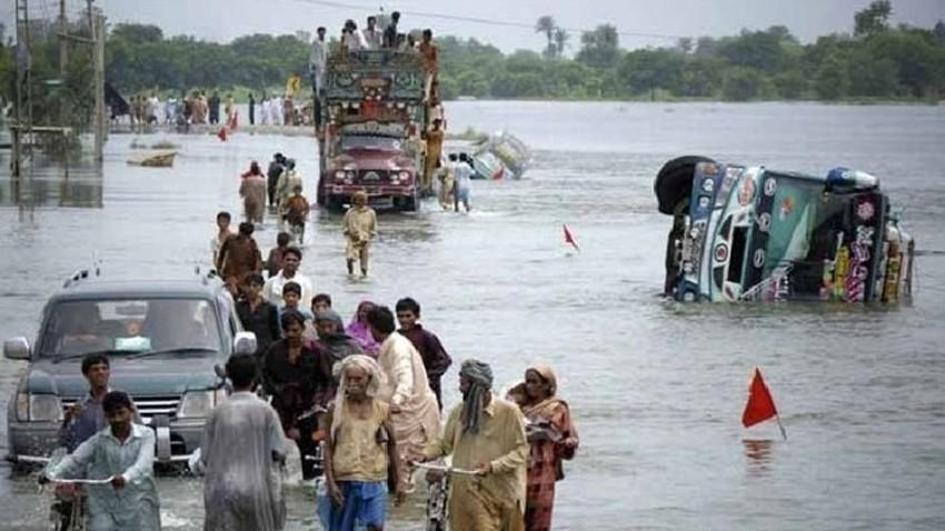 باكستان... 4 وفيات وإصابة العشرات جراء الأمطار الرعدية والسيول