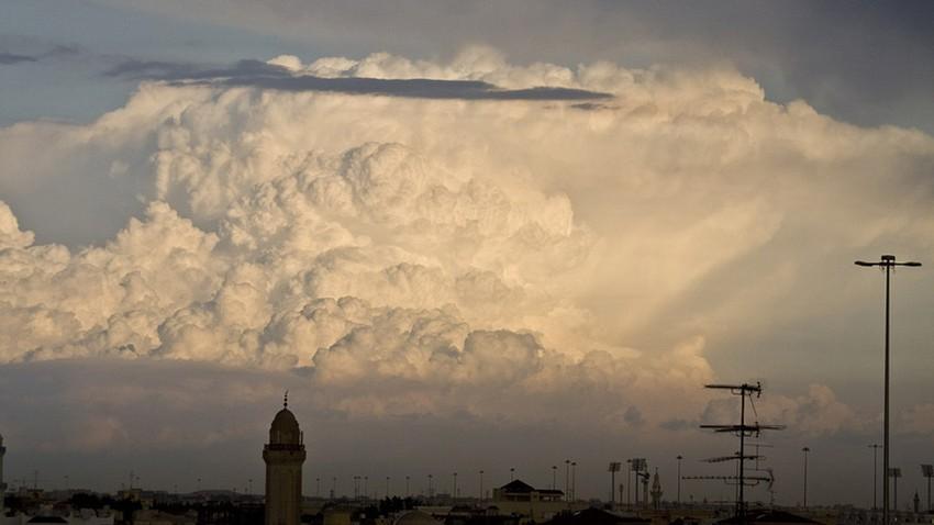 قطر | توقعات بنشاط للسحب الرعدية في بعض المناطق نهار الأربعاء