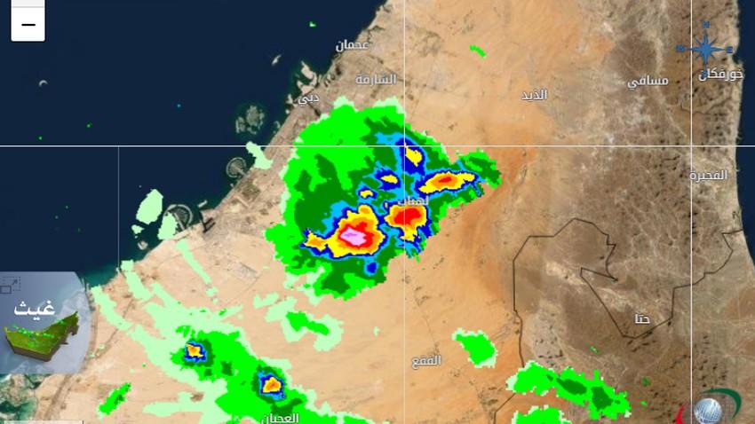 الإمارات | سُحب رعدية جنوب دبي قد تدفع بموجة من الغبار نحو المدينة الساعات القادمة