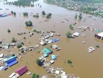 Floods cover a third of Bangladesh ... and claim hundreds of lives in India, Nepal and Bangladesh