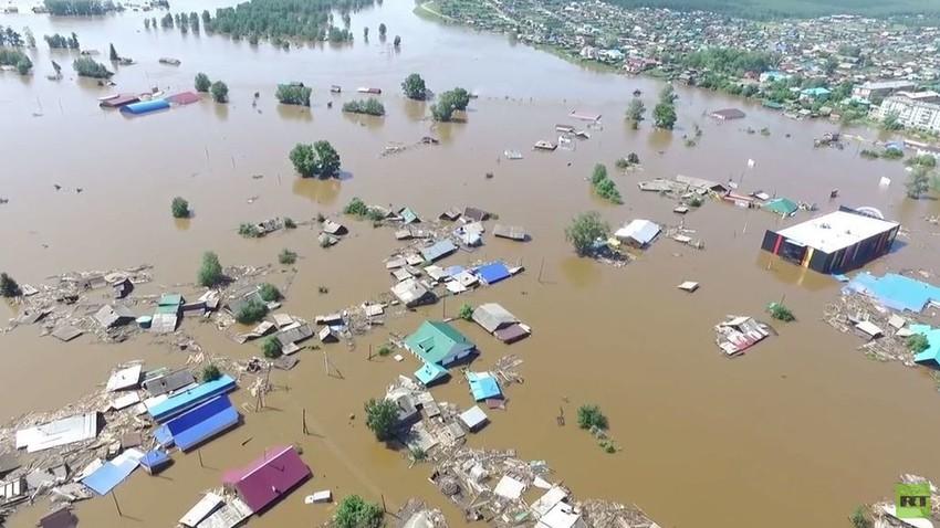 الفيضانات تغطي ثلث بنغلادش...  وتودي بحياة المئات في الهند ونيبال وبنغلادش
