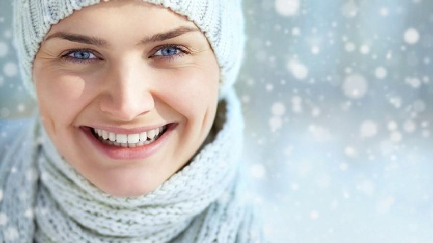 نصائح هامة للعناية بالبشرة الجافة والحساسة في الشتاء