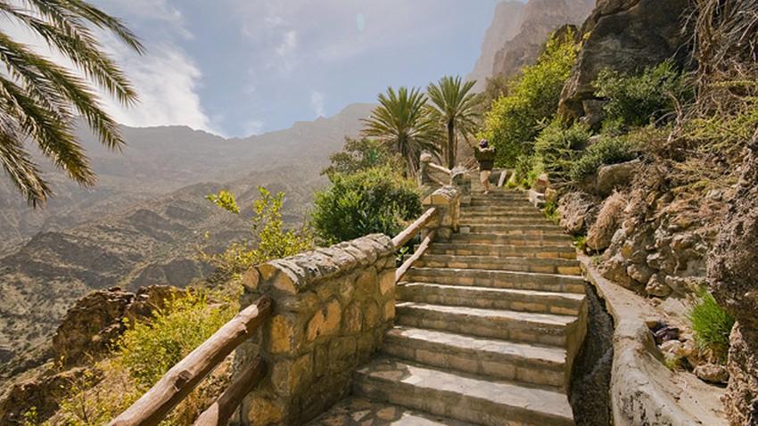 المسند يكشف حقيقة الصيام في قرية عمانية لاتشرق فيها الشمس سوى 3 ساعات