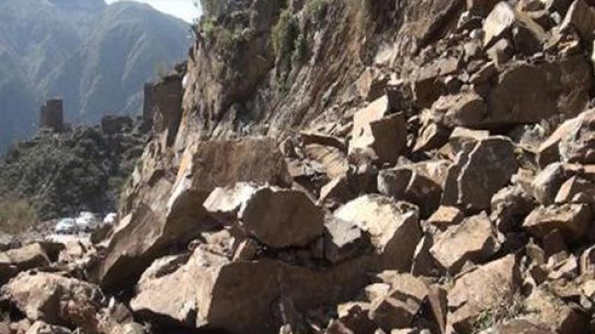 زلزال العقبة يتسبب في تساقُط الصخور من جبال سانت كاترين ودهب في مصر