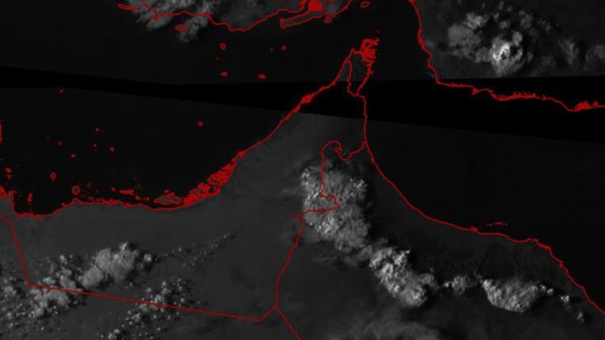 الإمارات | تشكل السحب الركامية شرقاً وامطار رعدية تؤثر على مدينة العين