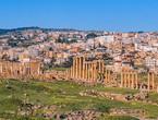 الثلاثاء | طقس صيفي معتدل نهاراً ومائل للبرودة ورطب ليلاً في مختلف مناطق الأردن