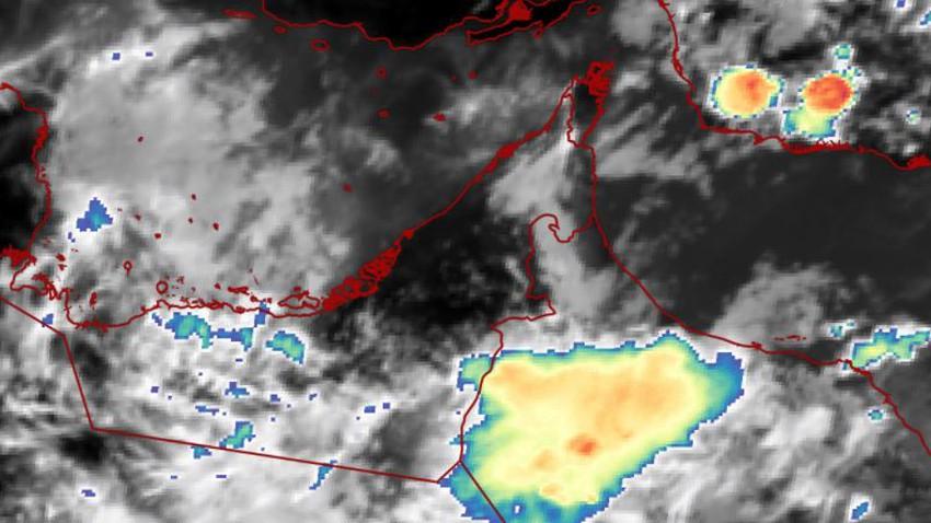 الإمارات | السُحب الماطرة على مشارف الأجزاء الجنوبية من الدولة والأمطار متوقعة الساعات القادمة