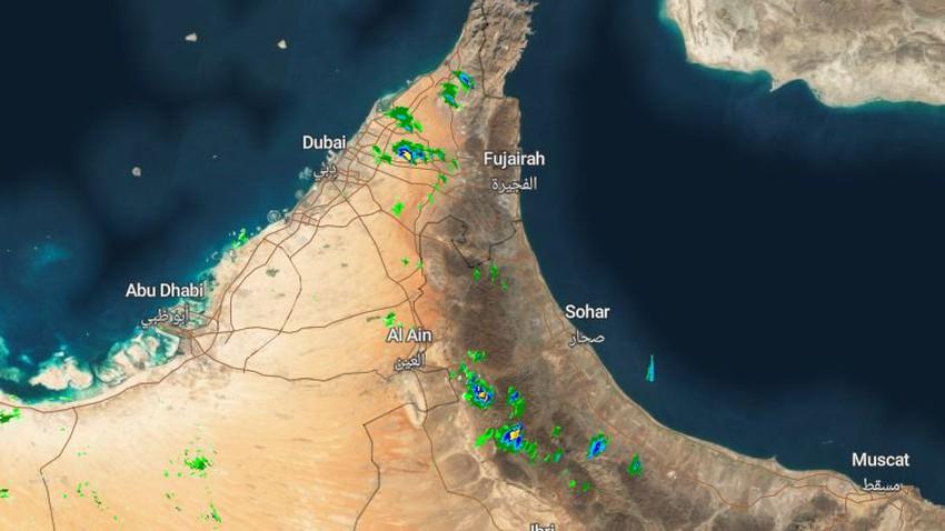 الإمارات | السُحب الرعدية تؤثر على أجزاء من شرق الدولة وزخات مطرية خفيفة اجمالاً