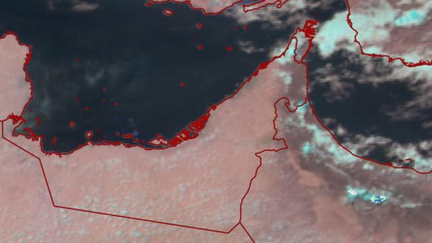 الإمارات | سُحب رعدية تتشكل شرقاً وتزايد فرص الأمطار الساعات القادمة