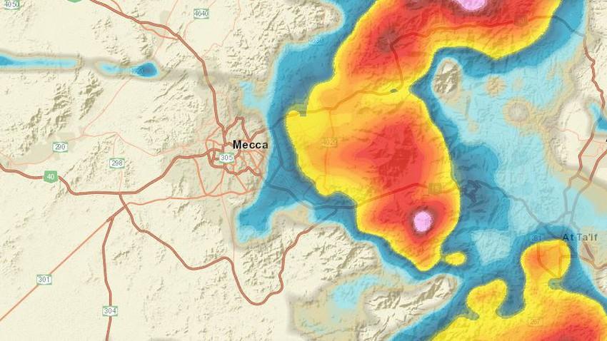 تحديث 4:00م | السحب الركامية تقترب من مكة المكرمة وأمطار رعدية متوقعة بعد قليل