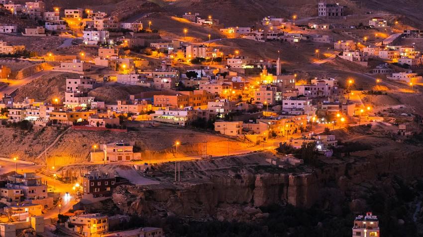 الليلة   بعد طول انتظار ليلة أقل برودة مُتوقعة من الليالي السابقة ومثالية للجلسات الخارجية في الأردن