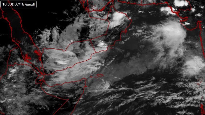سلطنة عُمان | اتساع رقعة السحب الركامية خلال الساعات القادمة والأمطار الرعدية تتركز في هذه المناطق
