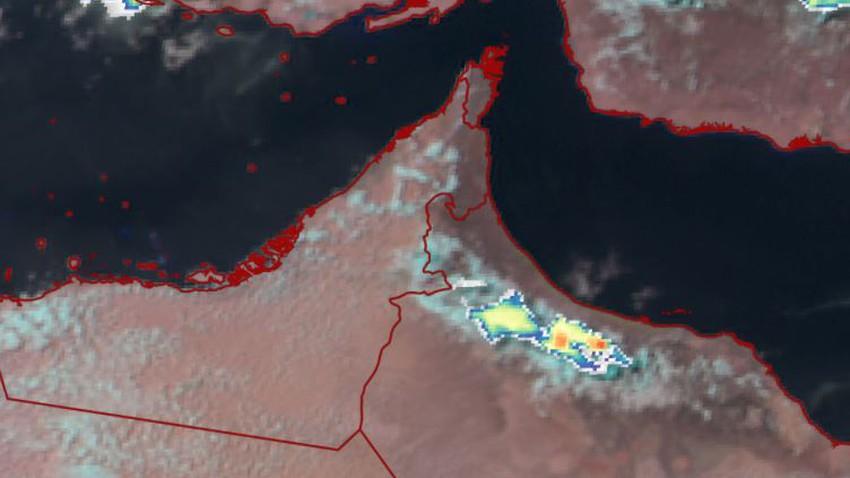 سلطنة عُمان   تطور سريع للسُحب الركامية على أجواء جبال الحجر وتوقع امتدادها للمناطق المحيطة الساعات القادمة