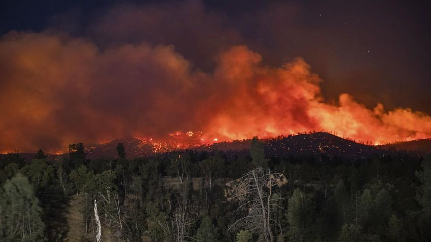 كاليفورنيا | حريق غابات يجبر السلطات على إخلاء مستشفى ومئات المنازل في شمال الولاية
