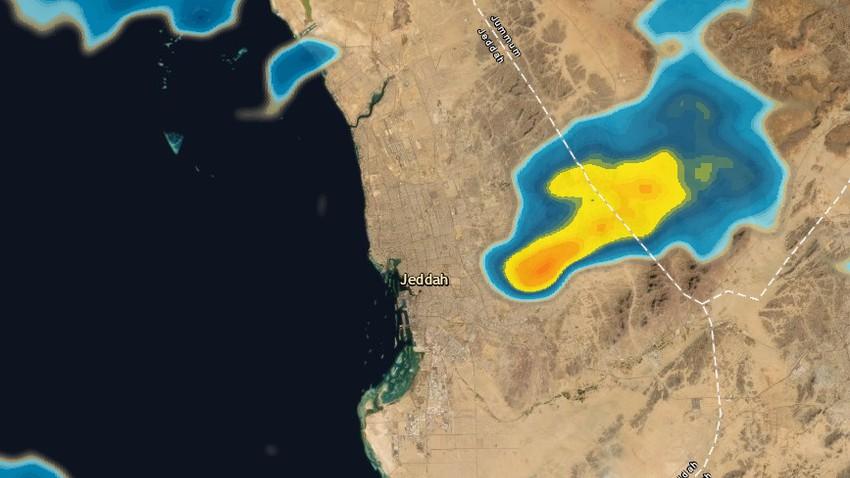 جده الآن 8:25م | سُحب رعدية تقترب من مدينة جدة قادمة من الشرق وفرص الأمطار تتزايد الساعة القادمة