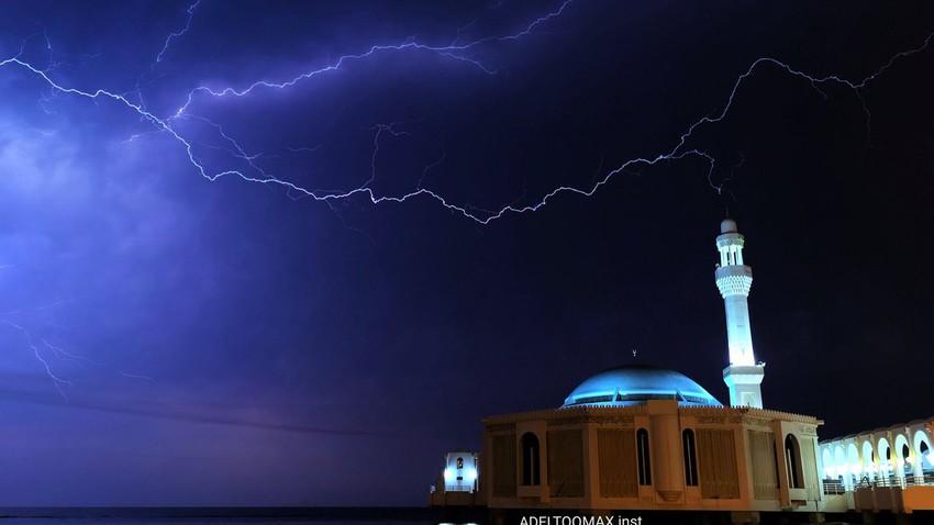 السعودية | سُحب رعدية وأمطار تبدأ من رابغ الساعات القادمة وتتحرك نحو جدة ليلاً