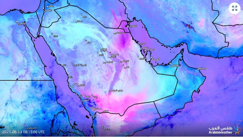 Urgent   Une énorme vague de poussière se forme maintenant, et elle devrait se déplacer directement vers Riyad dans les prochaines heures