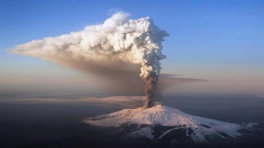بركان إتنا.. أكبر براكين أوروبا النشطة