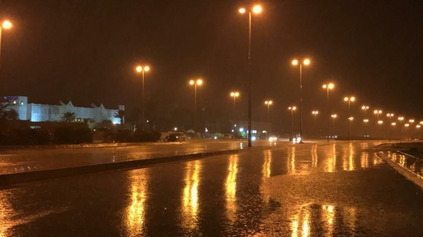 الليلة | طقس بارد مع هطول أمطار متفرقة وتشكل الضباب