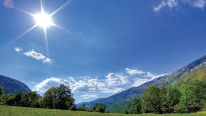 الجمعة   ارتفاع على درجات الحرارة واجواء غالبًا صافية