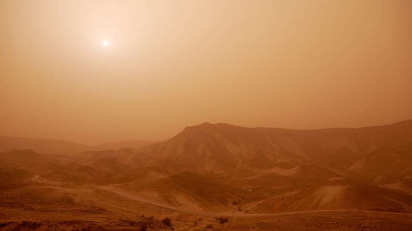 Egypt | The Khamsini depression reaches its climax and an additional rise in temperatures