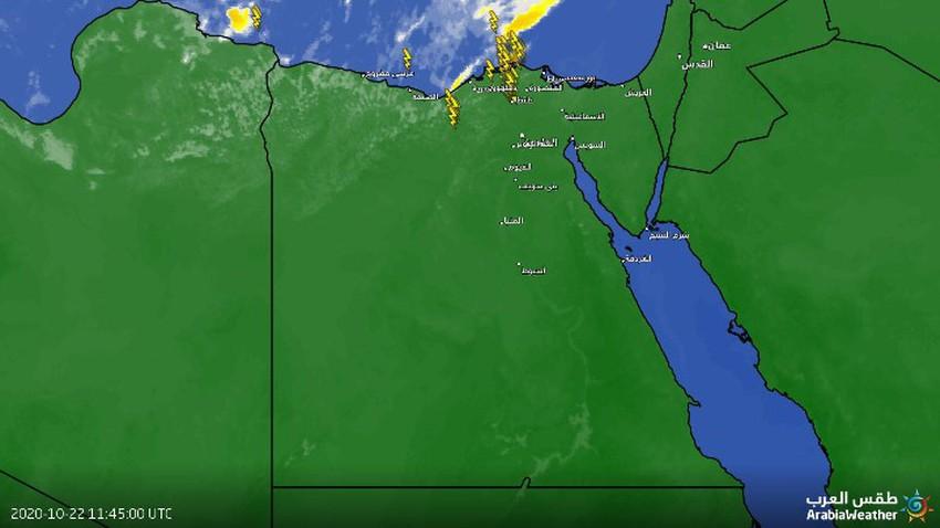 سحب رعدية قوية تؤثر على شمال غرب مصر
