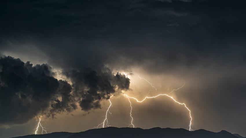 المغرب العربي | تجدد التقلبات الجوية وفرص الأمطار الأيام القادمة في العديد من المناطق ورياح قوية مثيرة للأتربة والغبار وربما العواصف الرملية