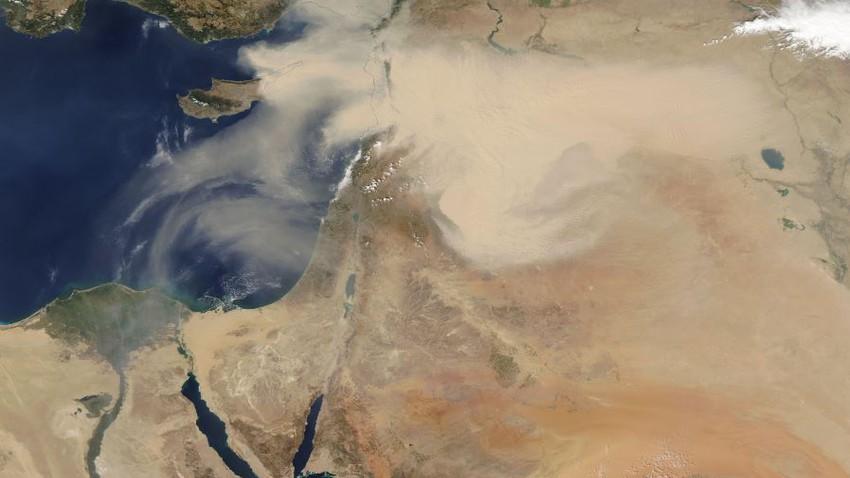 تحذير:موجة غبار تندفع من العراق وبلاد الشام نحو أجزاء من شمال السعودية