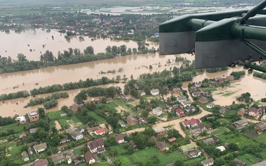 Due to the floods ... three people died and hundreds were evacuated in Ukraine