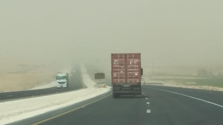 المملكة تشهد رياح قوية و غبار تستمر خلال ال 24 ساعة القادمة مع فرص للأمطار لاحقاً و توصيات هامة للتعامل مع الحالة الجوية