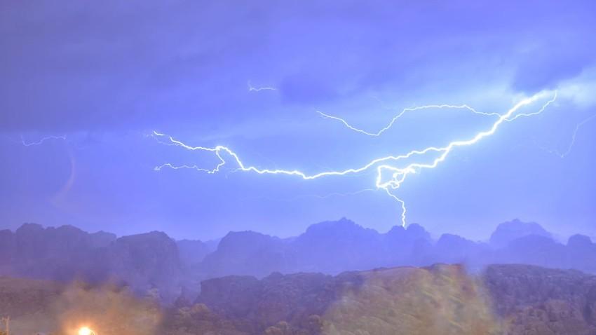 بالفيديوهات والصور || تغطية مستمرة للحالة الجوية السائدة في المملكة اليوم الإثنين - 14/12/2020