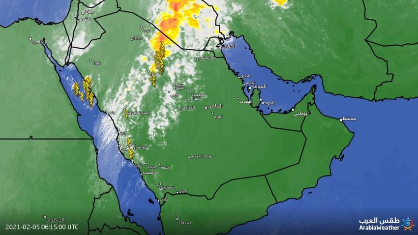 تحديث 10:00 صباحاً: حزام من السحب الماطرة ممتد بين مكة المكرمة وصولاً لحفر الباطن والحدود الشمالية