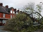 بالصور .. 3 وفيات جراء العاصفة أوفيليا في ايرلندا