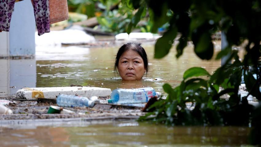 فيتنام | هطول 340 ملم من الأمطار خلال 24 ساعة تسببت بفيضانات وانهيارات أرضية