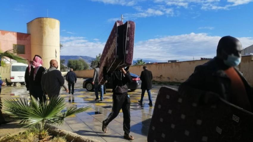 نقل ثلاث عائلات مكونة من 18 فردا يقطنون بمنازل آيلة للسقوط في دير علا