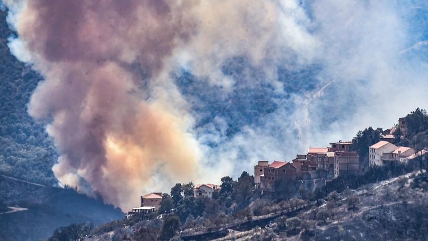 خسائر كبيرة ودمار.. هذا ما خلفته الحرائق الهائلة التي اجتاحت شمال الجزائر