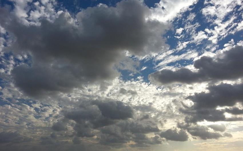 حالة الطقس ودرجات الحرارة العظمى والصغرى في عدد من مناطق المملكة ليوم الاثنين