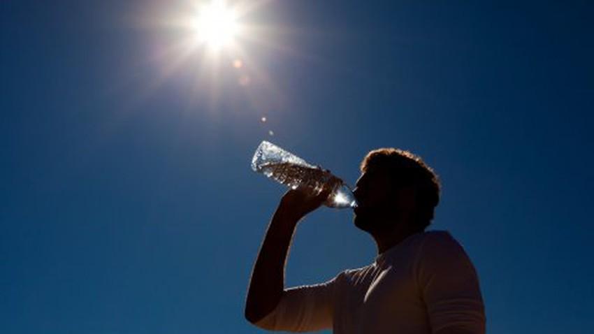 تعرّف على طرق الوقاية والعلاج للجفاف وفقدان الوعي خلال ارتفاع درجات الحرارة