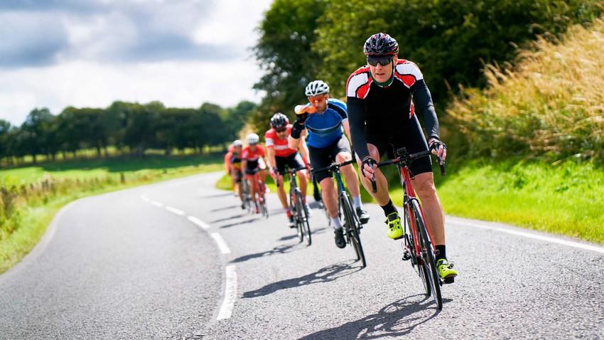 ما هي أفضل الظروف الجوية للاستمتاع برياضة ركوب الدراجة الهوائية