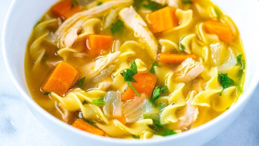 How to prepare chicken soup with vegetables