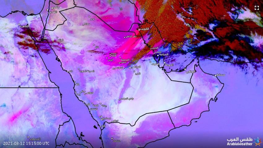 تحديث 6:40م   عاصفة رملية جدارية على مشارف الرياض وغبار كثيف متوقع بعد قليل