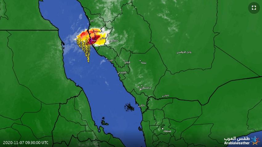 تحديث 1:10م | سُحب رعدية في سماء جدة والأمطار متوقعة بعد قليل