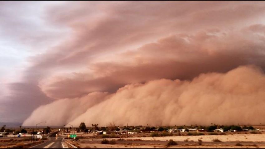 ثلاثة أسباب هامة ستزيد من كثافة وقوة الغبار خلال العاصفة الرملية المتوقعة يوم الجمعة