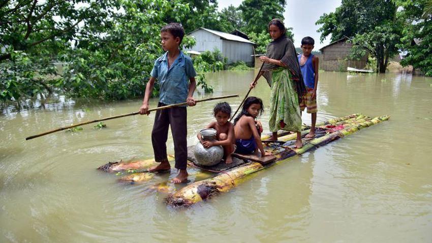 الفيضانات تودي بحياة العشرات في ولاية آسام الهندية