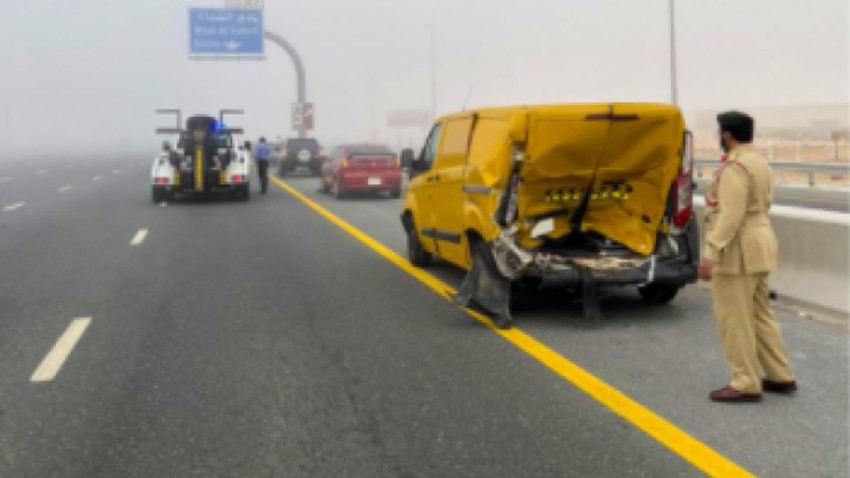 Emirates | 28 vehicles collided on Emirates Road in Dubai due to fog
