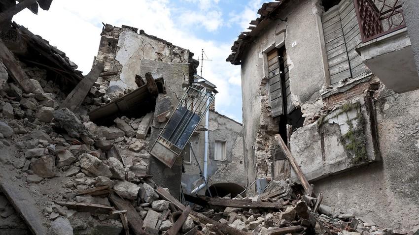 زلزال عنيف بقوة 7.4 درجات يهز مقاطعة تشينغهاي شمال غرب الصين