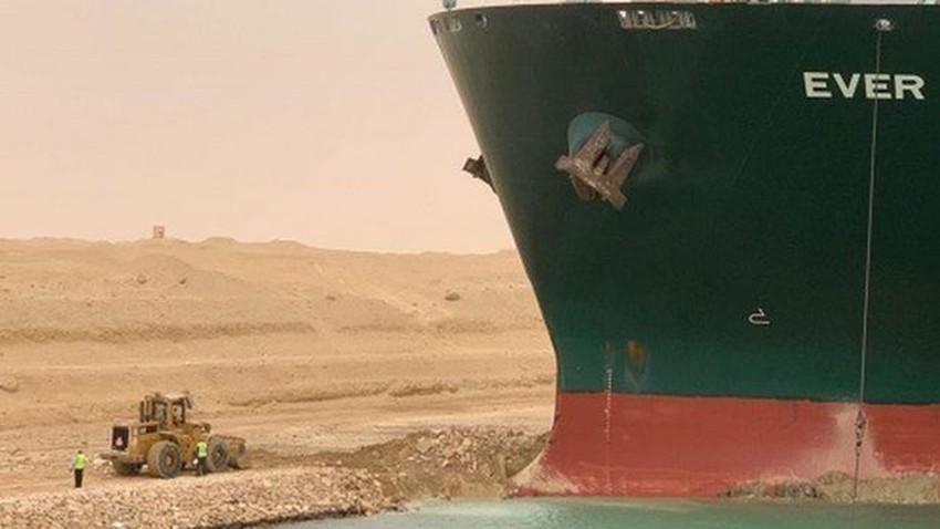 السفينة العالقة في قناة السويس - ما تزال عالقة!