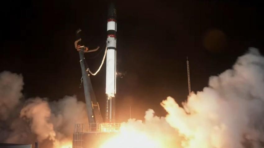 بالفيديو | فشل في اطلاق صاروخ أمريكي يمنعه من الوصول إلى المدار وفقدان اثنان من الأقمار الصناعية