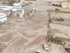 Vidéo | Des torrents mobiles historiques attaquent les maisons et les routes principales à l'ouest de Bisha!